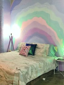 416AB97800000578-4600998-To_the_cave_Her_bedroom_has_no_natural_light_so_she_wanted_to_em-a-22_1497513394014