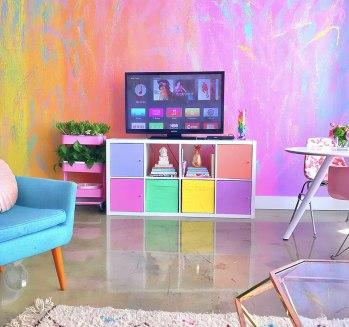 rainbow-colored-apartment-amina-mucciolo-4-59439d8f4b412__880