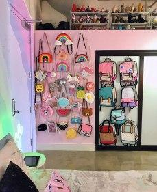 rainbow-colored-apartment-amina-mucciolo-44-59439df5503fc__880