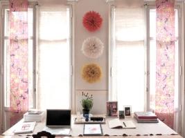 Juju-Hat-Three-in-an-Office