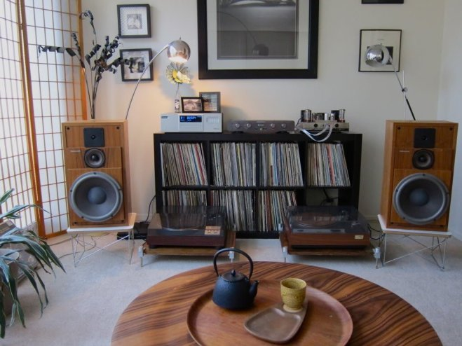 meuble-vinyle-platine-ikea-expedit-kallax-1024x768