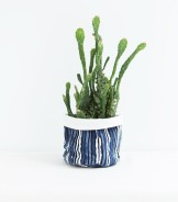cache-pot-imprime-bleu-indigo-en-coton-15x20-cm