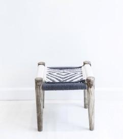 tabouret-ethnique-ecru-et-gris-45x45x45-cm